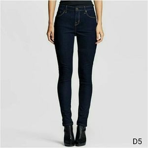 (D5) Mossimo Skinny Jeans